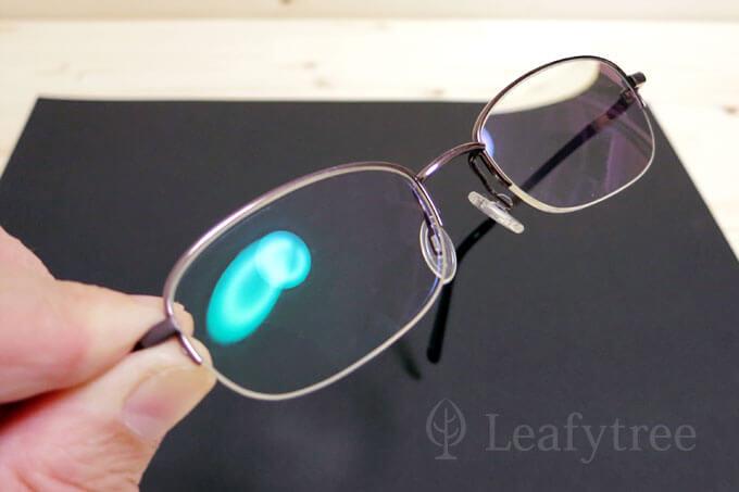 レンズの汚れがスッキリキレイに落ちたメガネ